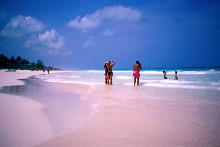 Viajar-a-Pink-Sand-Beach