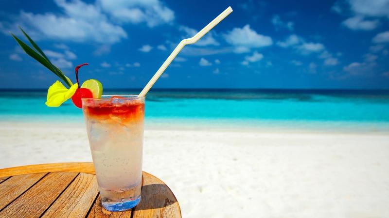 bebida_en_la_playa
