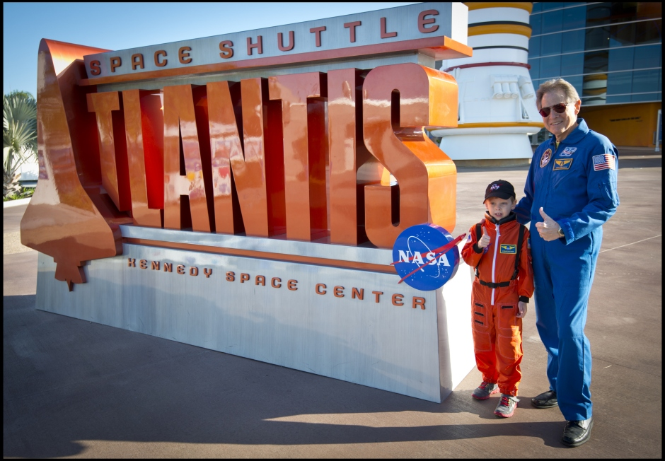 Connor_meets_astronaut_Sam_Durrance