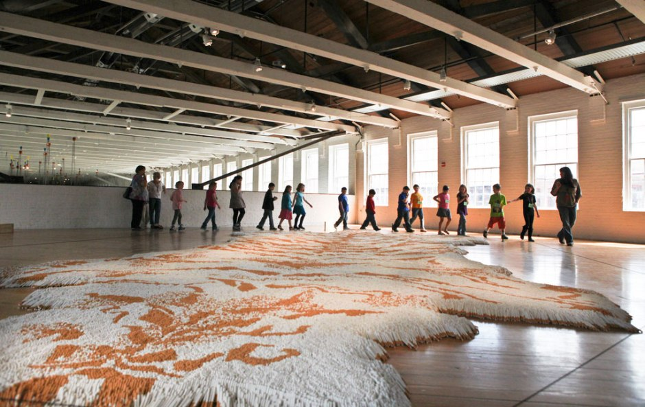 Installation-View-of-Tobacco-Project-by-Xu-Bing-at-MASS-MoCA-01
