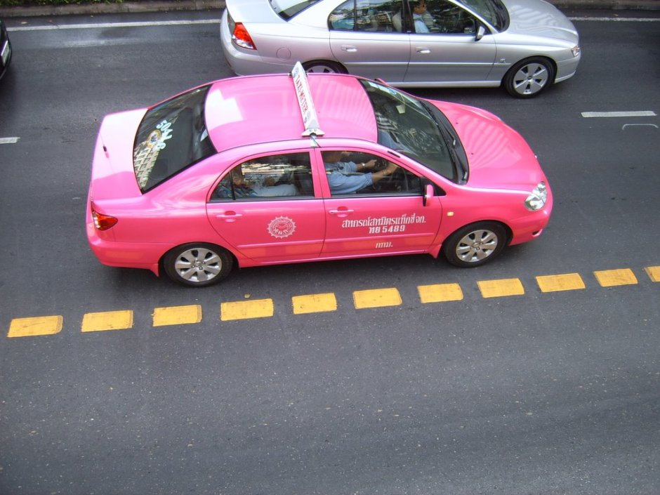 pink-taxi-thailand